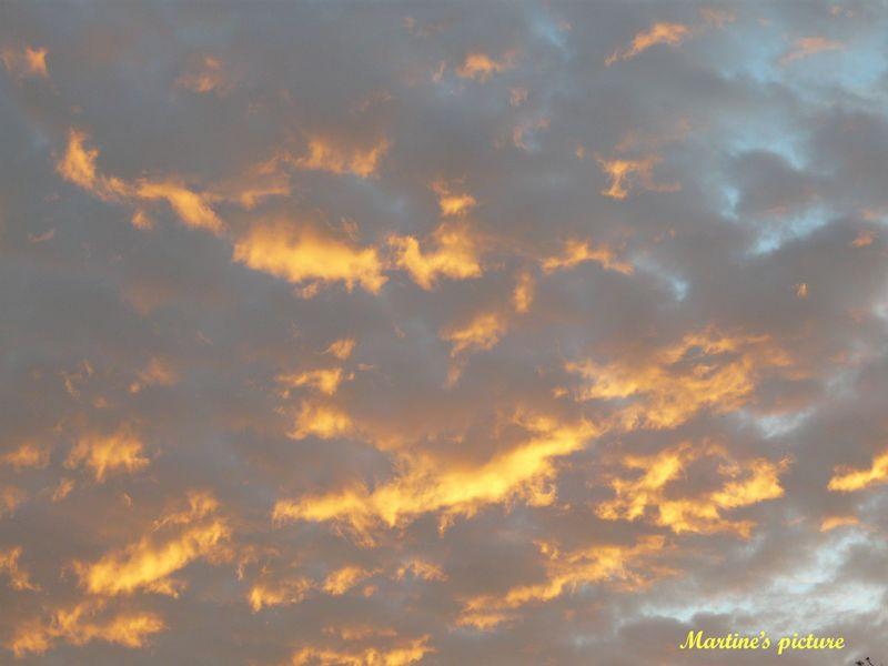 Ciel d'un matin d'octobre